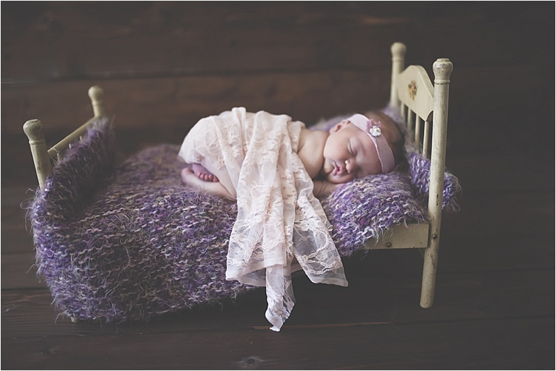 nh-new-hampshire-newborn-portraits-photography-photographer-lifestyle-exeter-hampton-bedford-epping-sesacoast-new-england-family-1